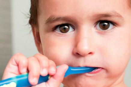 コップがなくても歯磨きできる画期的歯ブラシ